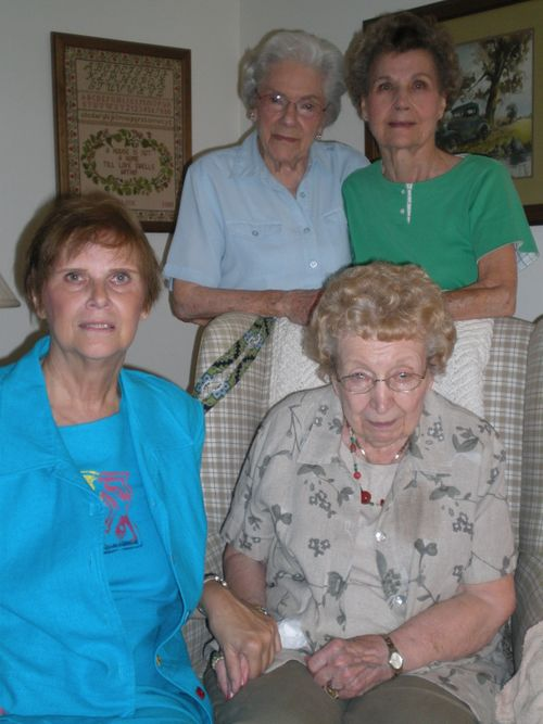 Noreen, Gisella, Dolly & Gert